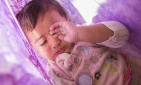 Недосыпание в детстве оказалось чревато ожирением