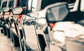 Автомобили с пробегом у дилеров в РФ могут стать дешевле