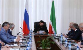 В Чечне предложили разрешить президенту России работать три срока подряд