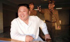 Ким Чен Ын освободил по просьбе США трех осужденных в КНДР американцев