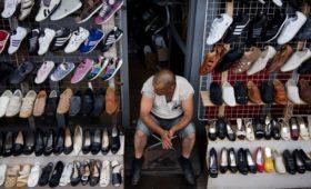 Правительство утвердило обязательную маркировку обуви, духов и шин