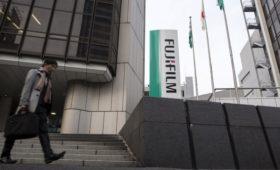 Cуд из-за обвинений в адрес гендиректора Xerox отложил слияние с Fujifilm