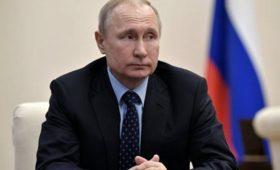 Путин запретил россиянам быть огурцами вбочке&nbsp