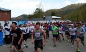 В забеге по лестнице Медеу приняли участие около 600 человек